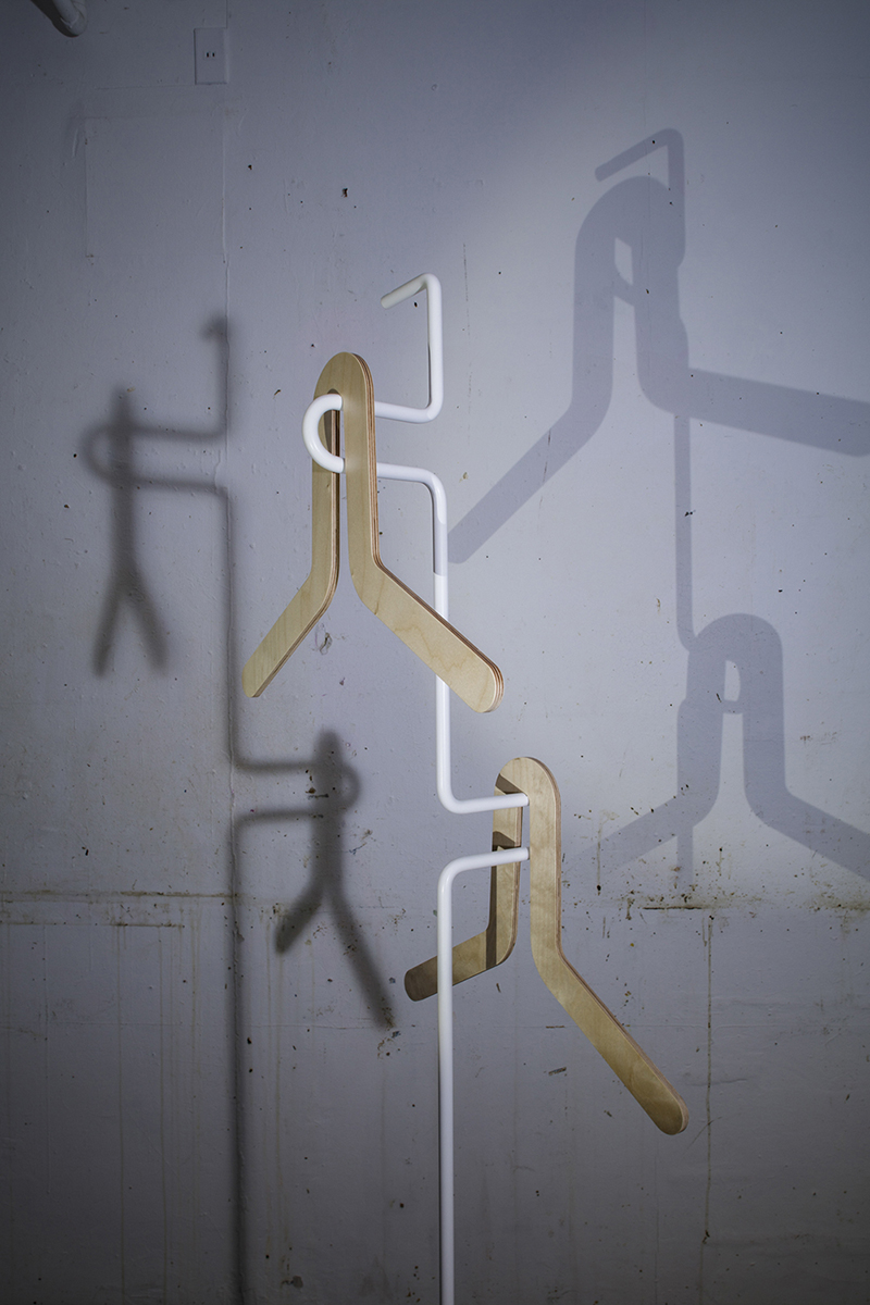 MIFUNE DESIGN STUDIO / S HANGER by GALLERY ZARU